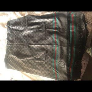 Gucci scarf unisex